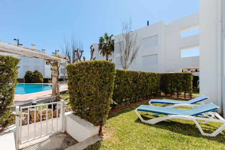 Ground floor apartment with private garden and poool