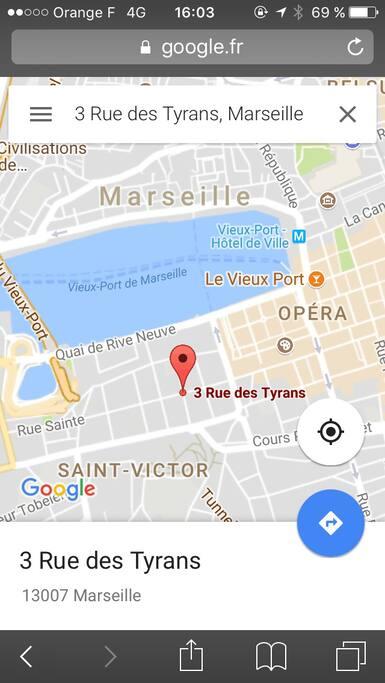 Le studio est situé à 2 mn du Vieux port et tout proche du panier avec le ferry boat qui relie les 2 quais