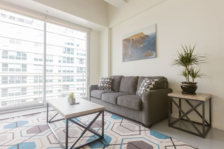 Incredible Apartment in Heart of Downtown LA