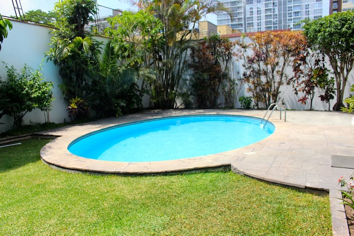 Apt (#302) 2Bedroom 1.5Bathroom in San Isidro
