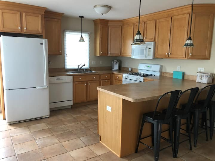 Apartment in Surf City - 1 Block from the Beach!