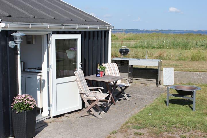 Hyggeligt lille feriehus for 2 personer - Farsø - Hytte