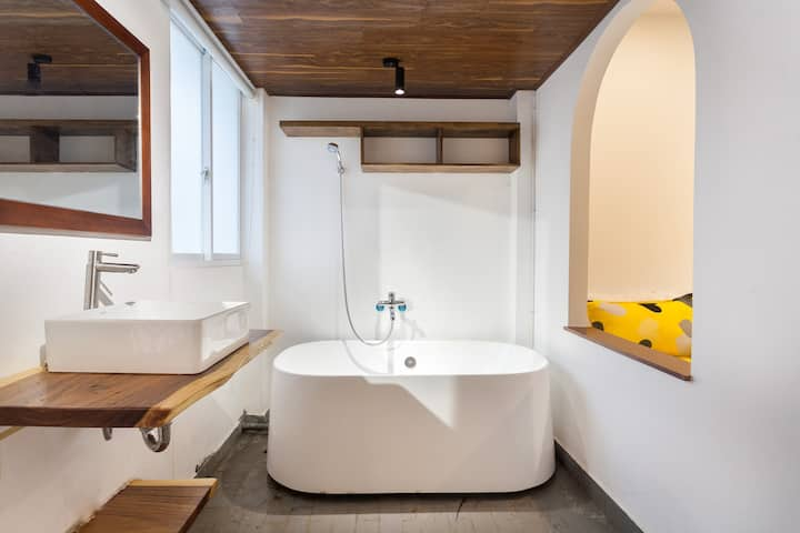 DIS20%@1 BR Apartment@Rosie House@Kitchen&bathtub