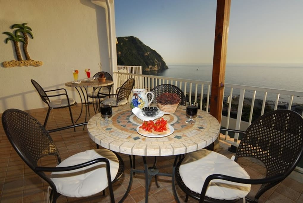 Ischia hotel on the seaside with stunning sunsets for Boutique hotel ischia