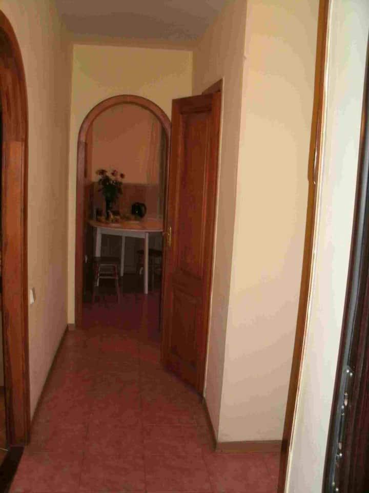 Однокімнатна квартира біля Києво-Печерської Лаври.