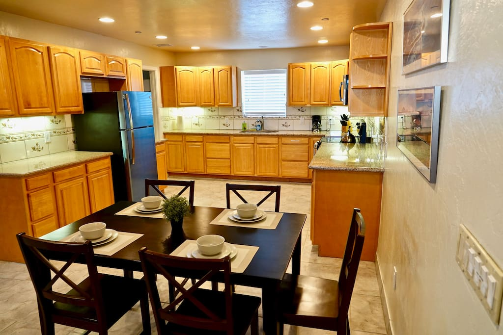 Large modern kitchen with eat-in dining area