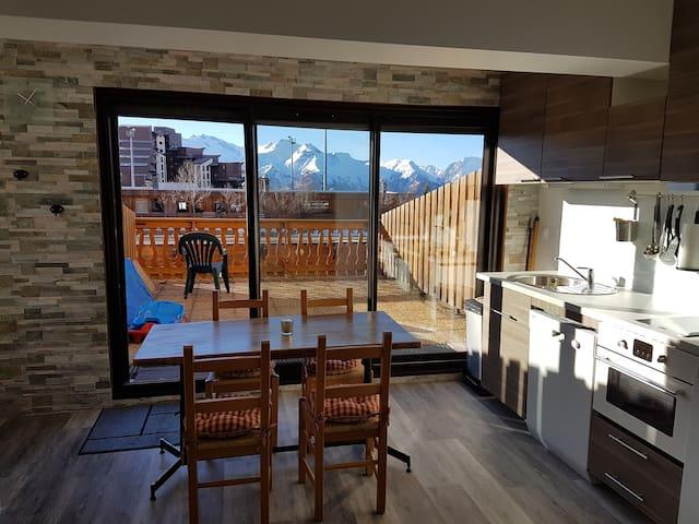 2 pièces 40 m2, terrasse plein sud, centre station - Huez - Pis