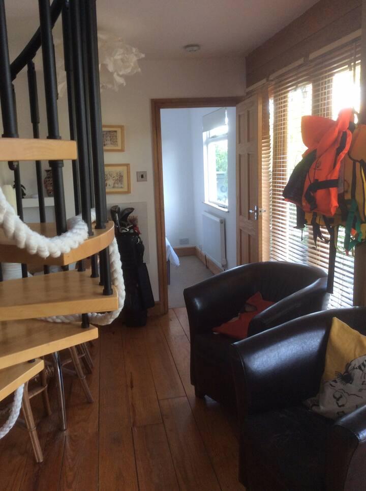 River Views - Jacqueline 's Island House Sunbury