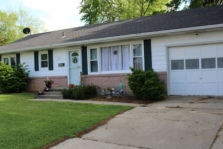 3 Bedroom home close to WAFB - Knob Noster - 獨棟