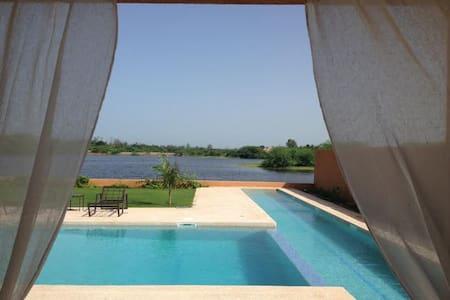 Villa des 5 Soeurs - Nianing - Villa