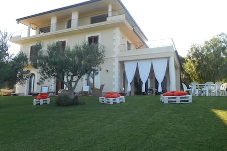 Villa sulla Costa dei trabocchi - Fossacesia