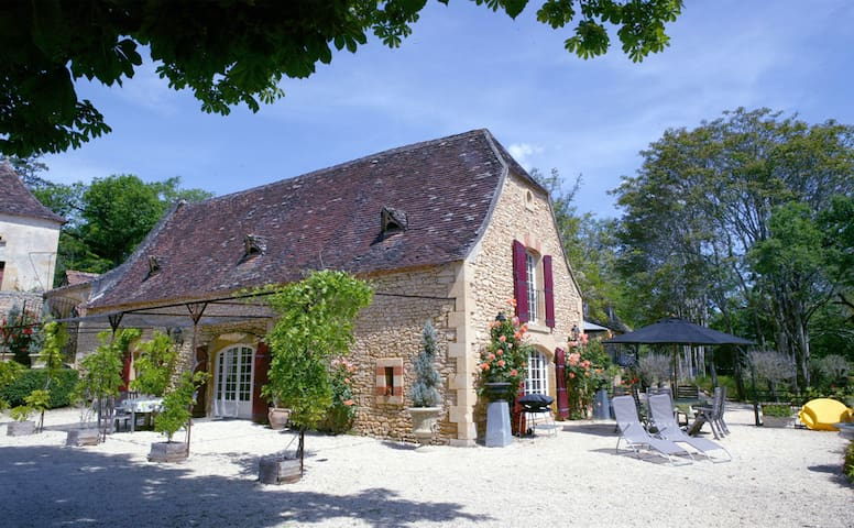 Beautiful Home in Romantic Private Hameau - Sainte-Alvère