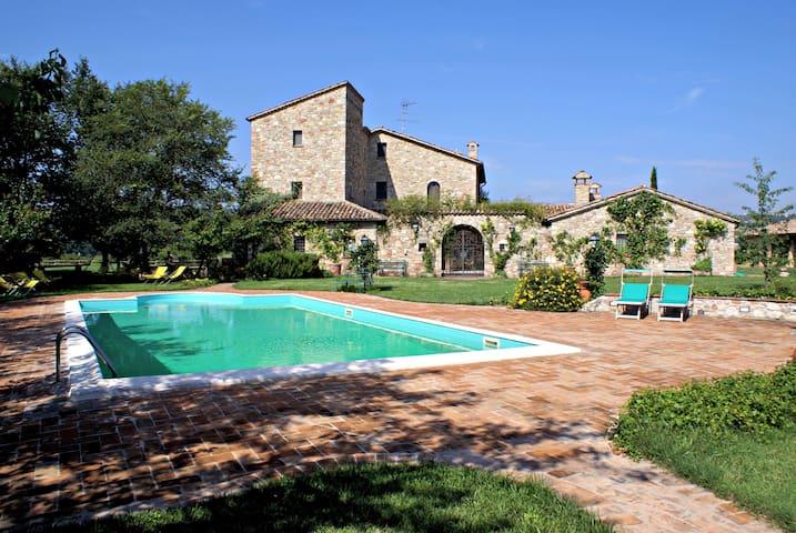 SISMANO COUNTRY HOUSES - Todi - Villa