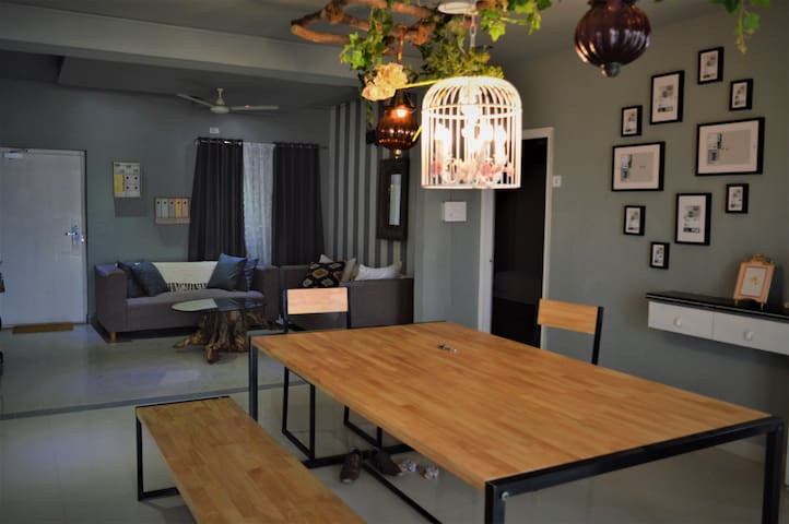 Stylish room 💫 in a Shared 3bhk Apt👩❤️👨
