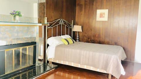 Cozy room near strip #2