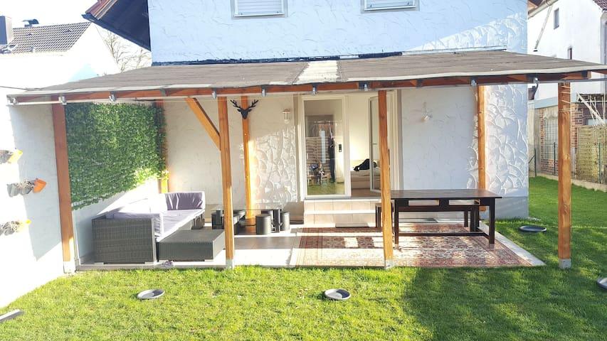 Ruhig, Donau-nah, verkehrsgünstig, 5 Personen #abc - Regensburg - House