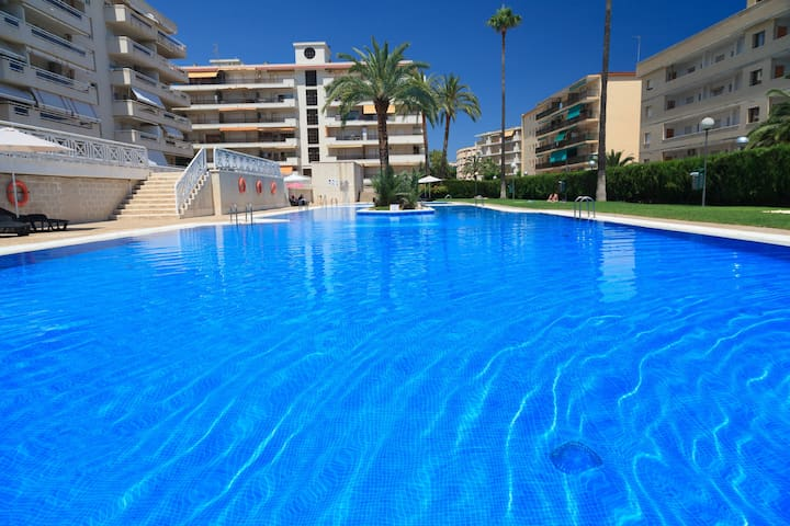Apartment with Pool near the Beach UHC AQUAMARINA 290