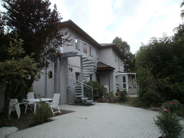 4,5 Zimmer-Maisonette-Wohnung - Offenbach - Lägenhet