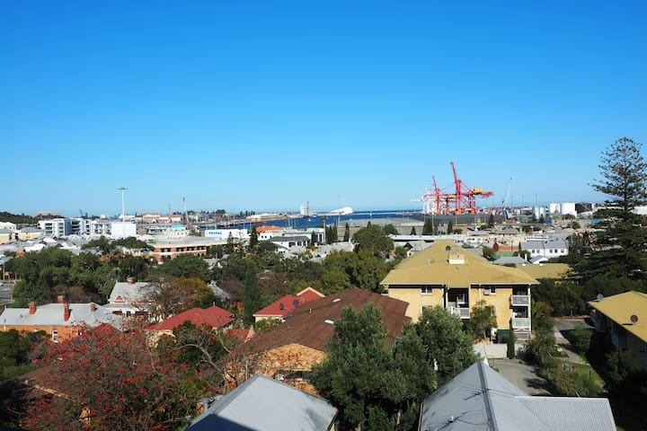 North Freo - views, beach & river! - North Fremantle - Apartment