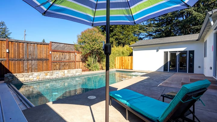 Home with heated pool!! Near Montgomery Village