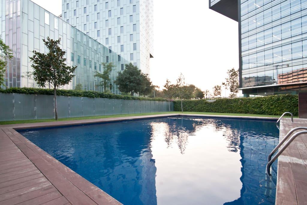 Atico con piscina cerca de la playa departamentos en for Piscina playa de madrid