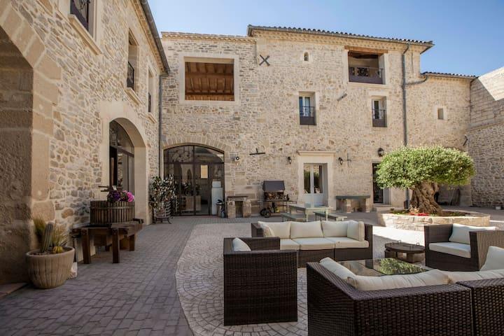 L'Escampe - Chambre Safran - Saturargues - Bed & Breakfast