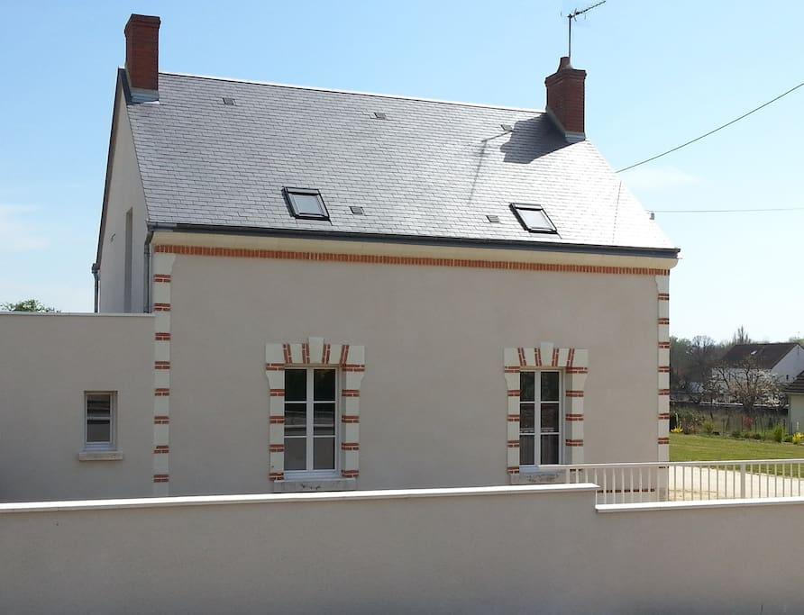 Gite du domaine du haut perron 10 personnes maisons louer th s e centre france - Perron maison ...