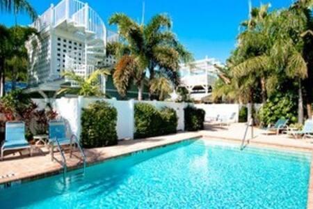 Palm Isle 3208 - Holmes Beach