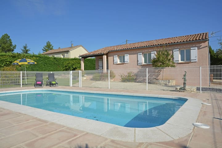 Cozy Villa in Saint-Victor-de-Malcap with Swimming Pool