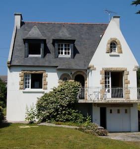 Maison familiale à 100 m de la plag - Audierne - Дом