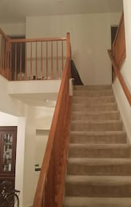 Rm 4 - SF Home on Golf Course - Silver Spring - Casa