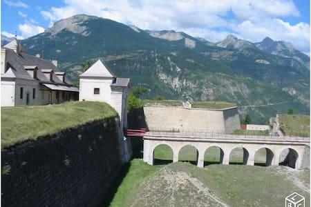APPARTEMENT MONT DAUPHIN FORT - Mont-Dauphin