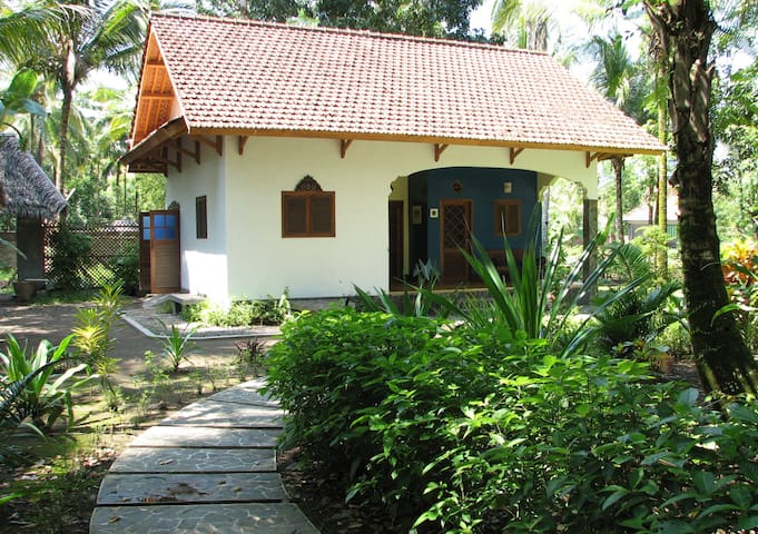 The Bungalow at Paddy View - Pangandaran - Bed & Breakfast