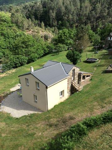 la Clède, cévennes, bord de rivière - Moissac-Vallée-Française - House