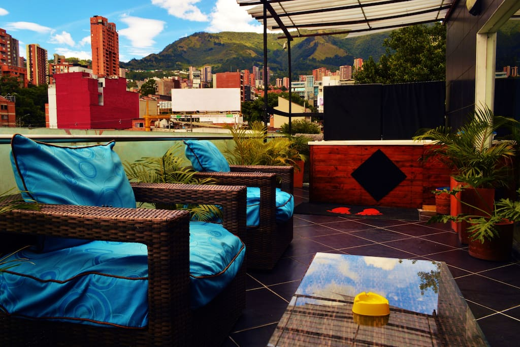 Common Area and Jacuzzi for you to enjoy the Medellin's weather