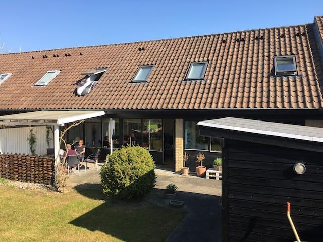 11 km til Århus 3 km til stranden - Beder - Hus
