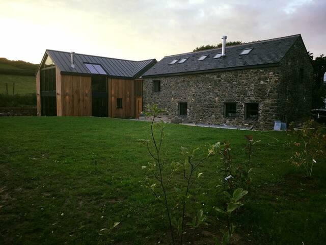 Kionedroghad Barn