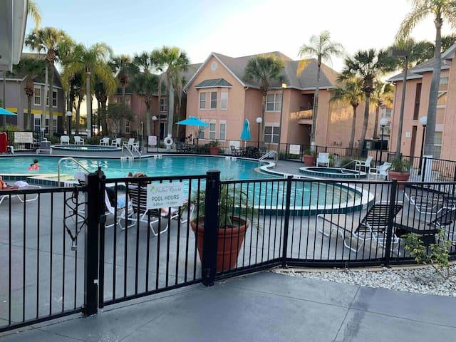 #743 Beautiful Apartment (Low price) Near Disney