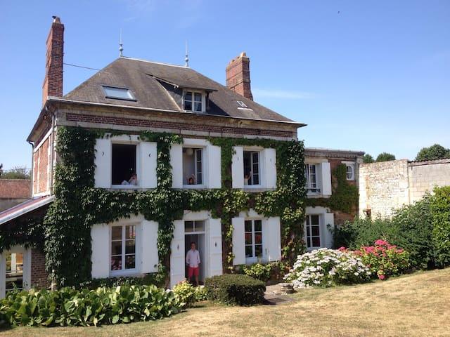 maison à la campagne - La Neuville-Roy - Hus