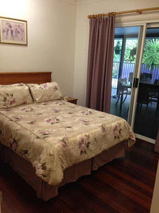 Double bed, aircondition and ceiling fan