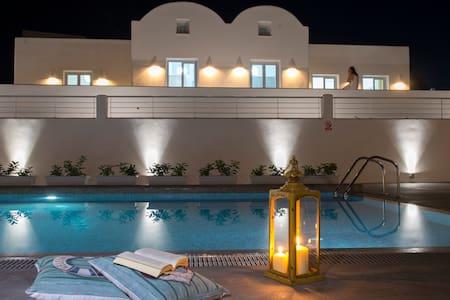 Sea front 3 bedroom luxury  family villa by beach!