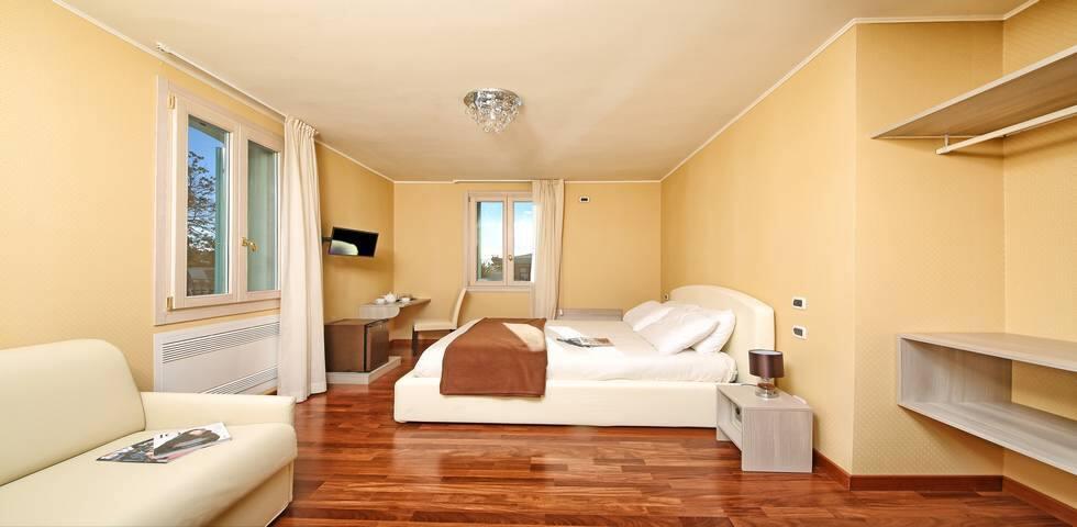 CAMERE A GARDONE RIVIERA - Gardone Riviera - Bed & Breakfast