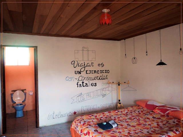 La Casa de Matilda - Luna's Room - Vilcabamba - Bed & Breakfast