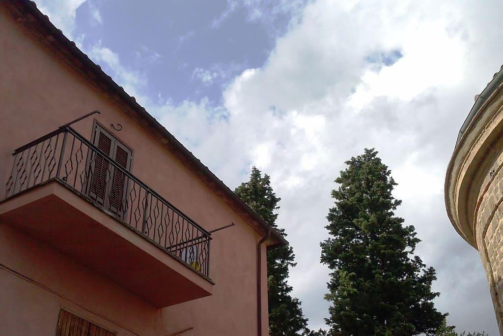 Terrazzo panoramico - facciata tinteggiata di recente