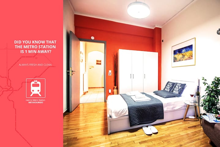 Did You Know that Metro Station is 1 min Away ?. - Athina - Apartemen