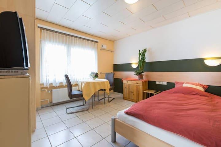 Apartment mit 2 Schlafzimmern - Mörfelden-Walldorf - Ev