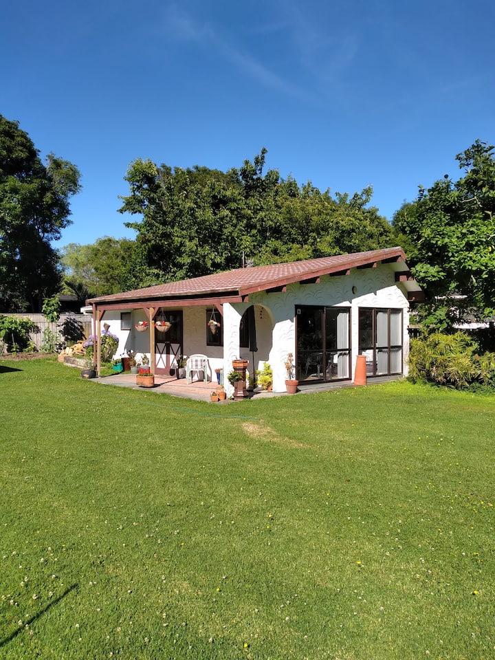 Beautiful Private Cottage on the Kapiti Coast
