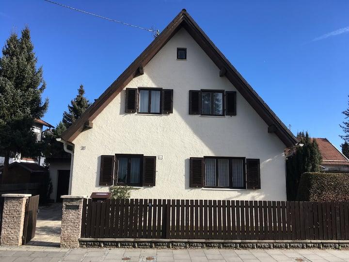 alleinstehendes Einfamilienhaus in Unterhaching