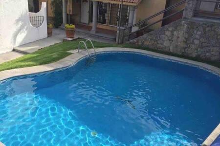 Casa condominio -Familiar- Descanso Tequesquitengo