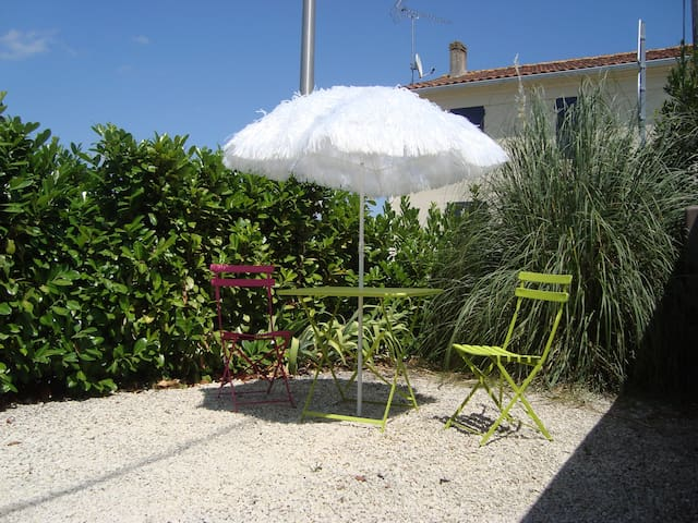 Self catering flat near La Rochelle - Chambon - Apartment